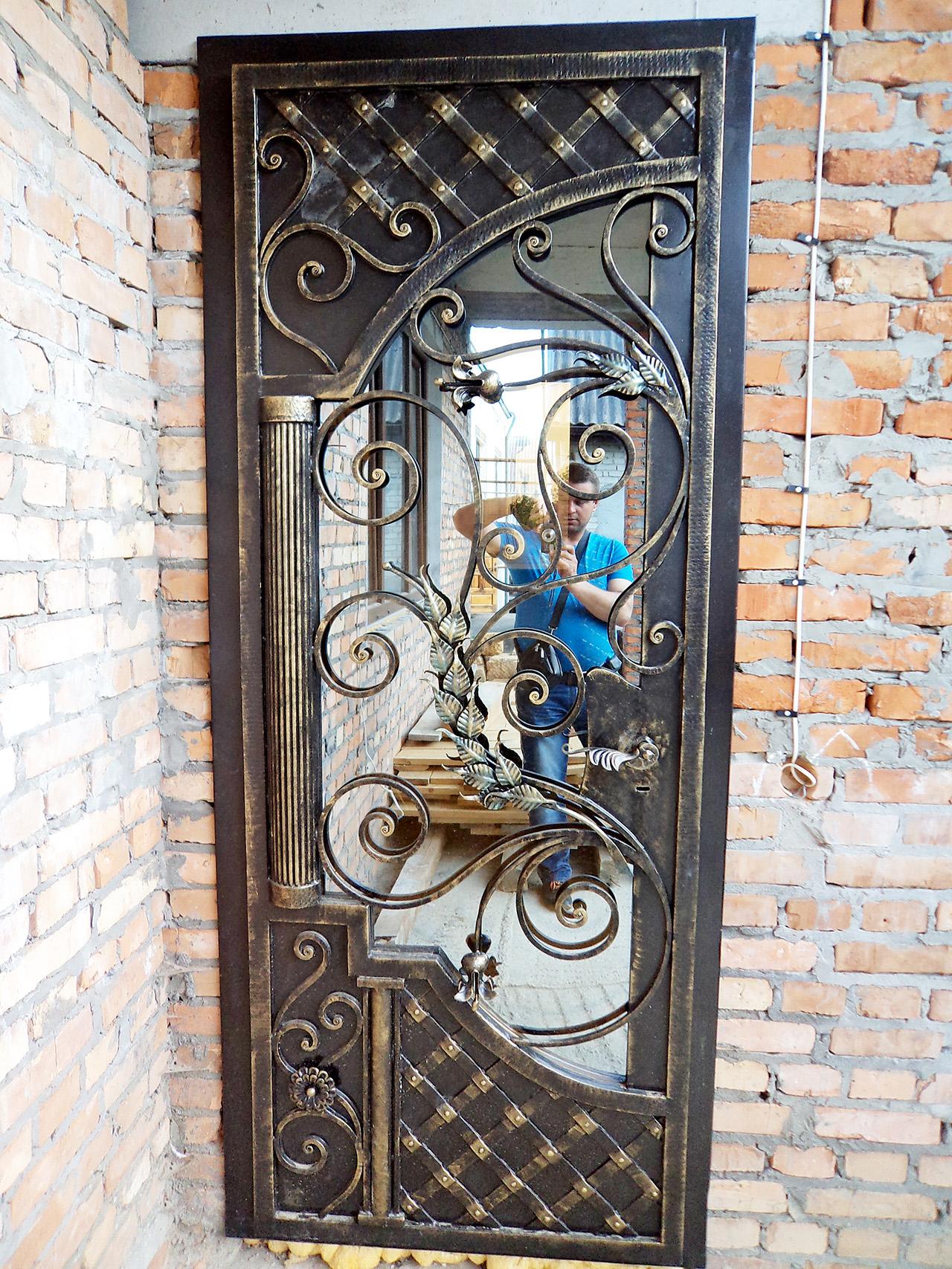 входные двери на дачу в павловском посаде